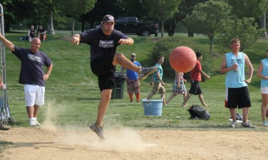 Former Bear Greg Olsen Hosts Kickball Tourney