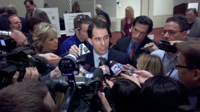 Scott  Walker Compares Self to Lincoln