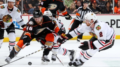 Ducks Beat Blackhawks 5-4