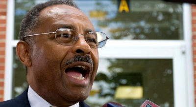 Temporary Senator Roland Burris Looms Large in Corruption Trial for Chicago Man