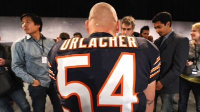 Urlacher Takes Shot at Reebok in Nike Unveiling