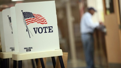 Chicago Numbers Down in First Day of Early Voting