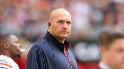 Urlacher, Bears Start Contract Talks