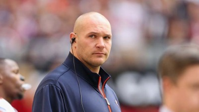 Why It's OK If Brian Urlacher Isn't a Bear This Fall