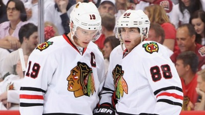 Kane, Toews Shine in Big Win Over Avs