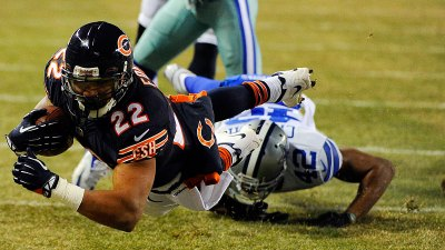 Forte's Fourth Quarter Helps Push Bears Into NFC North Lead