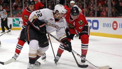 Blackhawks Beat Ducks 4-2