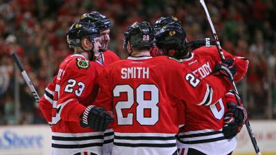 Blackhawks Dominate Red Wings 4-1