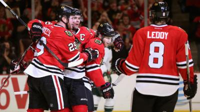 Toews, Kane Key Blackhawks in Game 5 Win