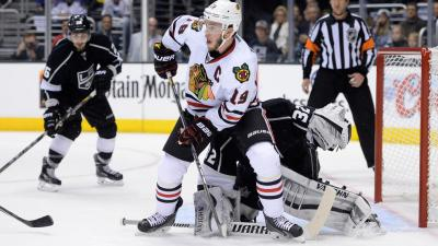 Toews' Two Goals the Lone Bright Spots for Hawks in Loss