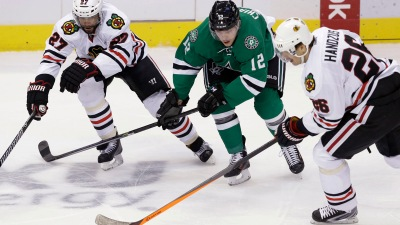 Blackhawks Best Stars 2-1 in Epic Shootout Win