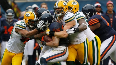 Bears' Playoff Hopes Dim After Loss to Packers