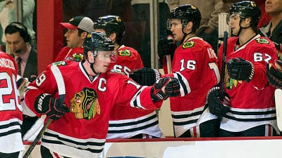 Kane, Toews Life Hawks Over Flames