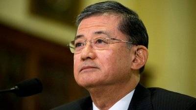 VA Scandal: Dick Durbin Vows to Put Eric Shinseki 'On the Spot'