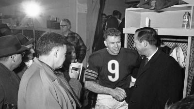 Bill Wade, QB of 1963 NFL Champion Bears, Dies at 85