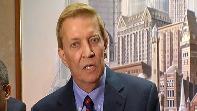 Emanuel's Alderman Archnemesis Bob Fioretti Blasts Mayor for Data-Mining Light Pole Deal