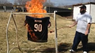 Bears Fans Torch Julius Peppers Jerseys