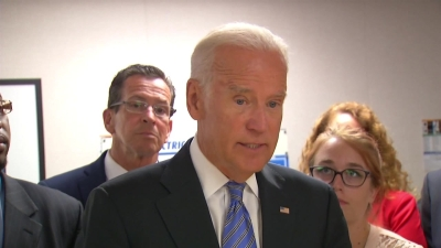 Biden Stumps for Quinn Amid GOP's Christie Offensive