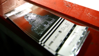 Experts Warn Against Blackhawks Ticket Scams