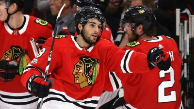 Schmaltz Looks to Take Next Step With Blackhawks