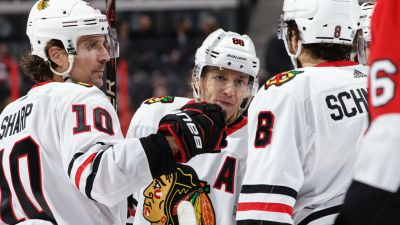 Toews, Blackhawks Thump Senators