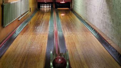 'Holler House' Brings Magic, History to Bowling