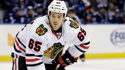 Blackhawks Trade Andrew Shaw to Montreal