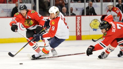 Hawks Beat Panthers, Take NHL Lead