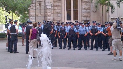 Police Hold Roll Call on Mag Mile