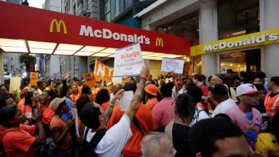 Illinois Lawmaker Supports Striking McDonald's Workers