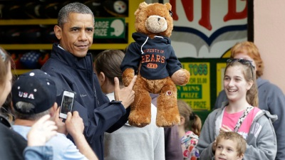N.J. Gov Wins President Obama a Chicago Bears Bear