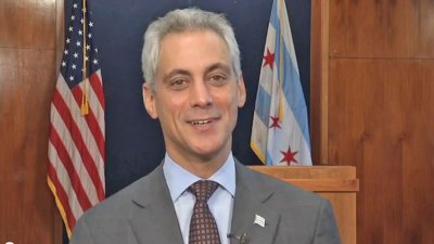 Emanuel Bets on Blackhawks Against St. Paul Mayor