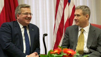 Sen. Kirk Visits With Polish President