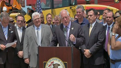 Quinn Signs Transportation Funding Legislation