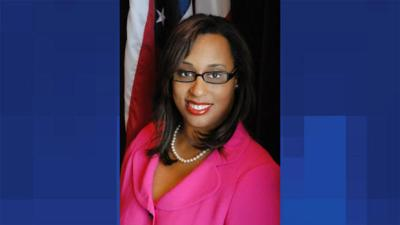 Hutchinson Leaves Race to Congress, Endorses Kelly