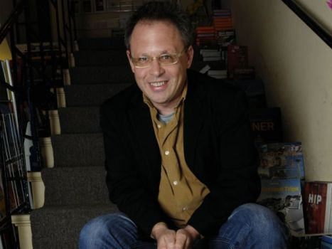"""Dreamgirls"" Director Bill Condon Might Nab ""Breaking Dawn"""