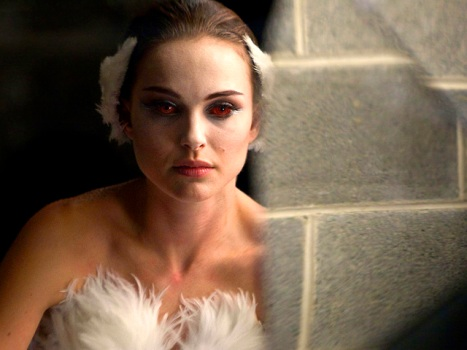 "Portman's Acceptance Speech as Creepy as Her ""Black Swan"" Performance"
