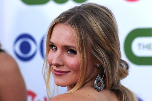 "Kristen Bell Comes Clean About Getting Dirty in the ""House of Lies"""