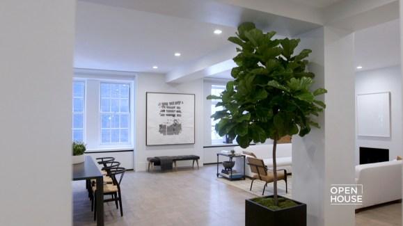 Inside the Home of a Fashion Designer - NBC Chicago