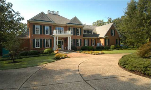 Please Buy Steven Seagal's Memphis McMansion