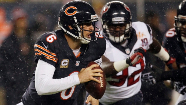 Bears' Cutler, McClellin Leave Game with Concussions