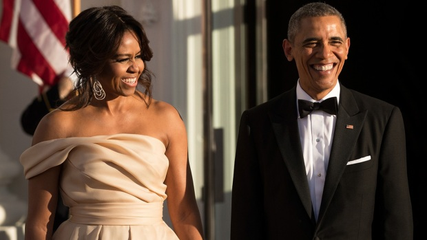 [NATL] Michelle Obama's Style Shines Through 8 Years of State Dinners