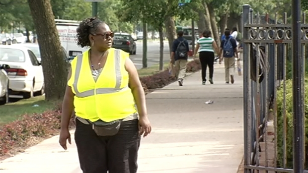[CHI] Lightfoot Thanks CPS Safe Passage Workers
