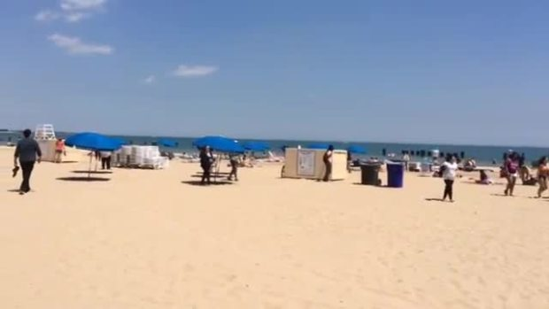 @HiddenCash Stashes Envelopes at North Avenue Beach