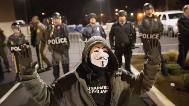 [NATL] Photos: Ferguson on Edge Ahead of Grand Jury Decision