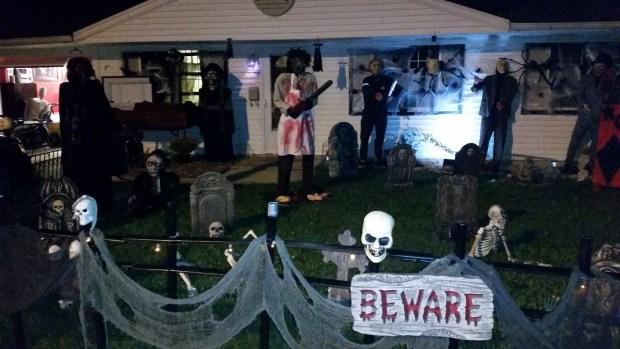 spookiest halloween decorations in chicago area
