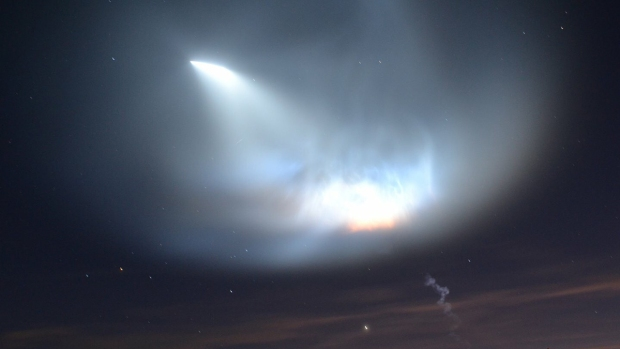 PHOTOS: SpaceX Falcon 9 Lights Up Sky Over SoCal