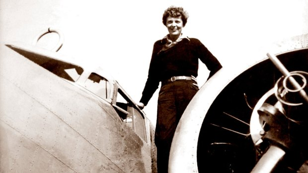 Photo appears to show missing aviator Amelia Earhart