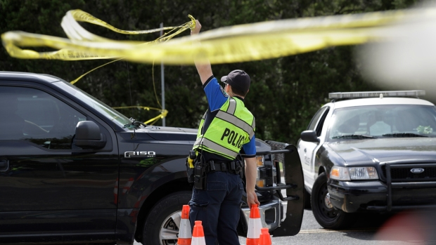 Top News Pics: Austin Police Investigate Serial Bombings