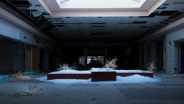 [NATL-PHI] Abandoned Mall Becomes a Winter Wonderland